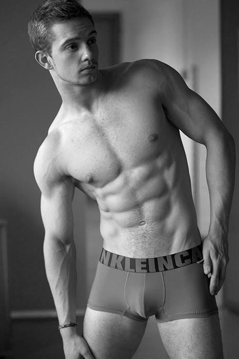 male model fitness bodyshot